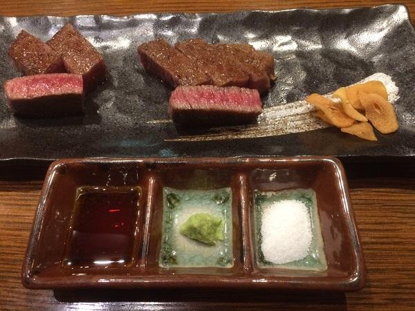 カメノコとカタサンカクの山形牛ステーキ