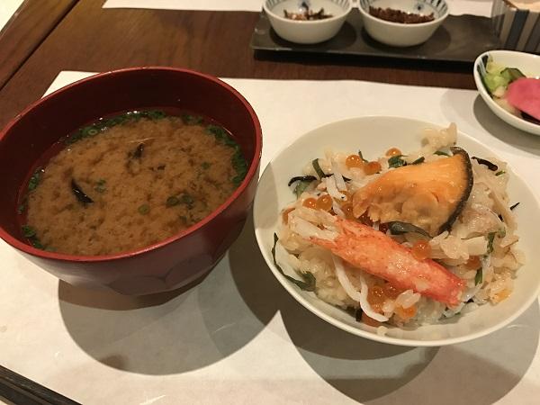 季節の炊き込みご飯2