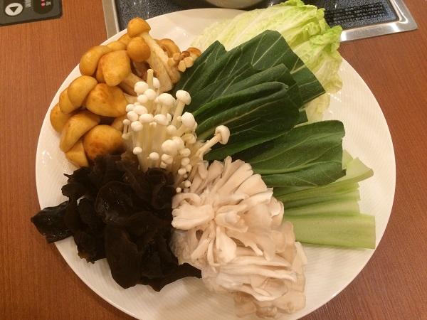 火鍋の具材(野菜やきのこ)