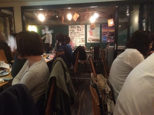 豪快 イタリアン食堂 DESERT(六本木)の店内の様子