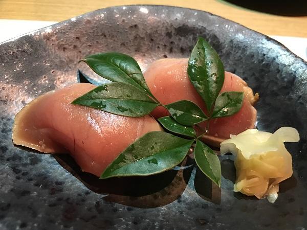 メジ鮪の藁炙り鮨