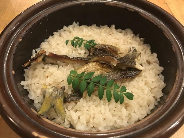 鮎の土鍋飯
