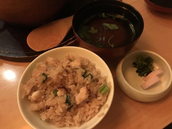 菜な「鯛の土鍋飯」茶わん一杯